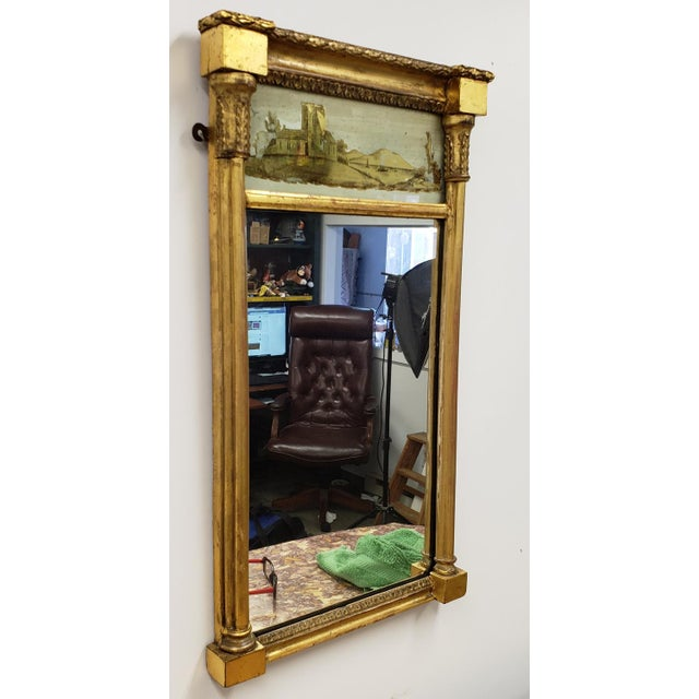 Early 19th Century Antique Federal 19th Century Giltwood Eglomise Reverse Painted Gold Leaf Hanging Wall Mirror For Sale - Image 5 of 7