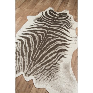 "Erin Gates by Momeni Acadia Zebra Grey Faux Hide Area Rug - 5'3"" X 7'10"" Preview"