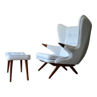 Mid Century Modern Papa Bear Styled Lounge Chair Armchair, White For Sale