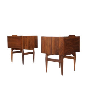 1960's Brown Saltman Mid Century Nightstands by John Caldwell - a Pair For Sale