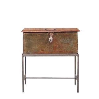 19th Century Merchant Box With Stand For Sale