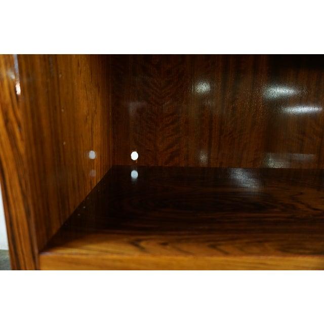Original Danish Mid Century Hundevad Rosewood Bookcase - Image 7 of 9