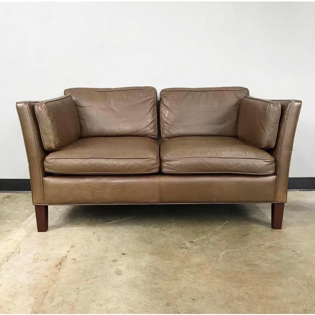 Mid-Century Modern Danish Modern Leather Loveseat in the Style of Børge Mogensen For Sale - Image 3 of 12