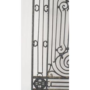 American Victorian style (19/20th Cent) iron gates with filigree scroll design and lattice base For Sale - Image 10 of 11