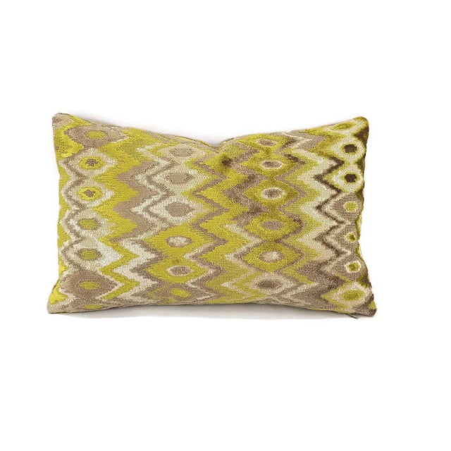 Not Yet Made - Made To Order Kravet Couture Modern Contrast Quince Lumbar Accent Cover For Sale - Image 5 of 5