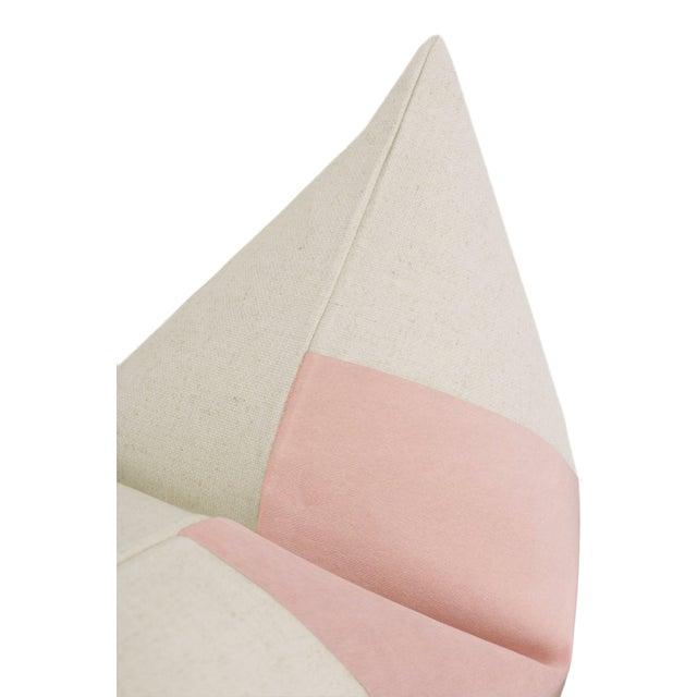 """22"""" Blush Velvet Panel & Linen Pillows - a Pair For Sale - Image 4 of 6"""