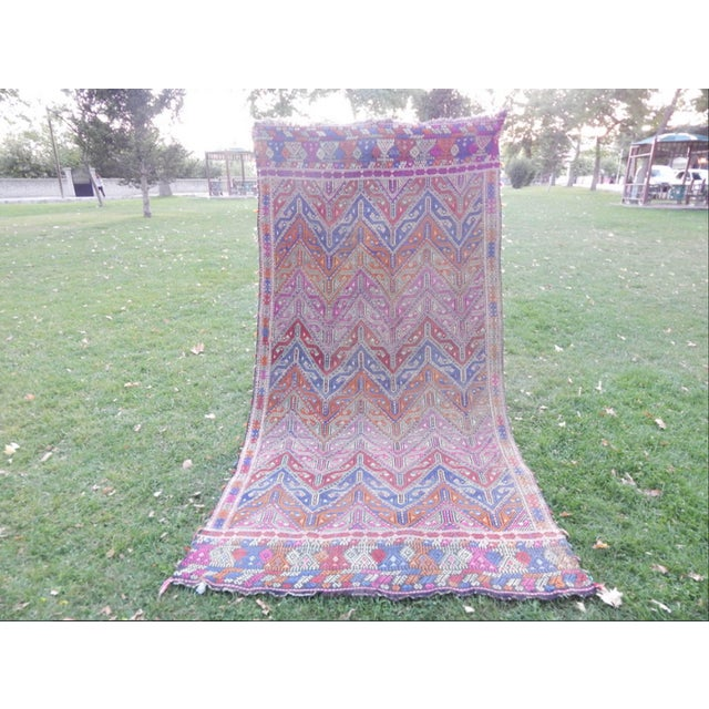 Textile Handwoven Turkish Kilim Rug Pastel Colors Area Rug Petite Braided Kilim - 4′11″ × 9′4″ For Sale - Image 7 of 12