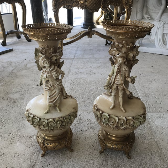 19th Century Figurative Old Paris Porcelain Vases - a Pair For Sale - Image 10 of 10