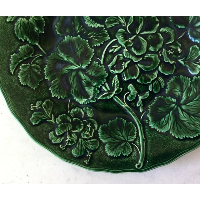 Victorian 1880 English Green Majolica Geranium Plate For Sale - Image 3 of 8