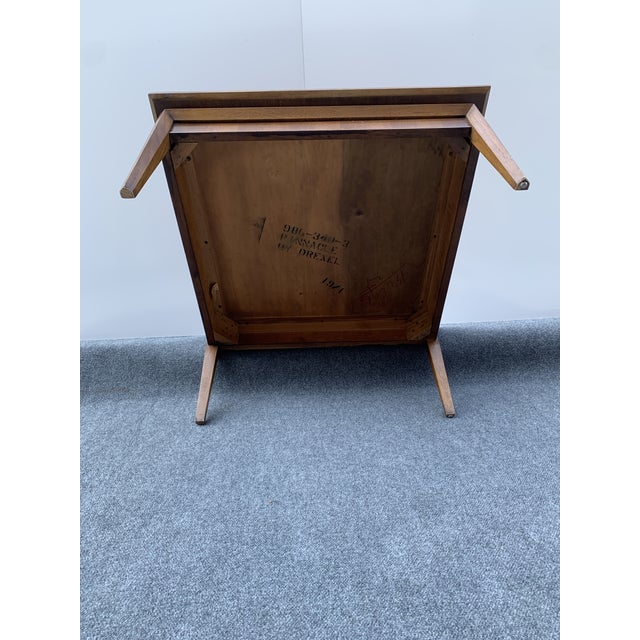 Wood Mid 20th Century Mid-Century Modern Drexel Square Walnut Table For Sale - Image 7 of 9