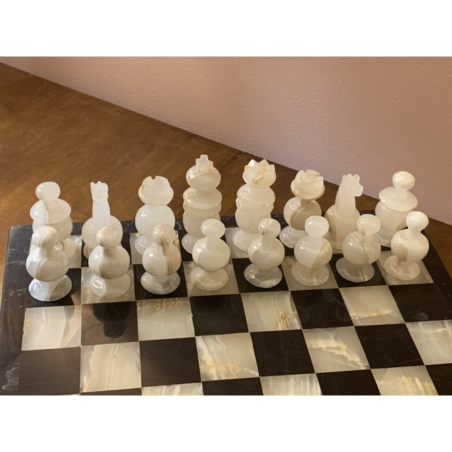 1970s 1970s Vintage Hand Carved Quartz/Marble Complete Chess Set - 32 Pieces For Sale - Image 5 of 13
