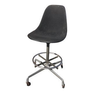 1970s Vintage Charles Eames Herman Miller Hopsack Upholstered Chair For Sale