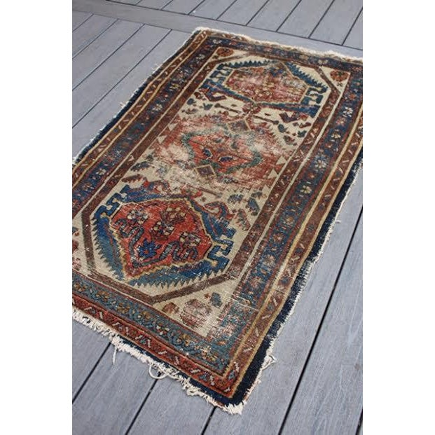 """Antique Persian Rug - 2'9"""" x 4'5"""" - Image 3 of 9"""