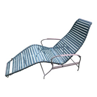 1970s Mid-Century Modern Iron/Vinyl Patio Reclining Lounger For Sale