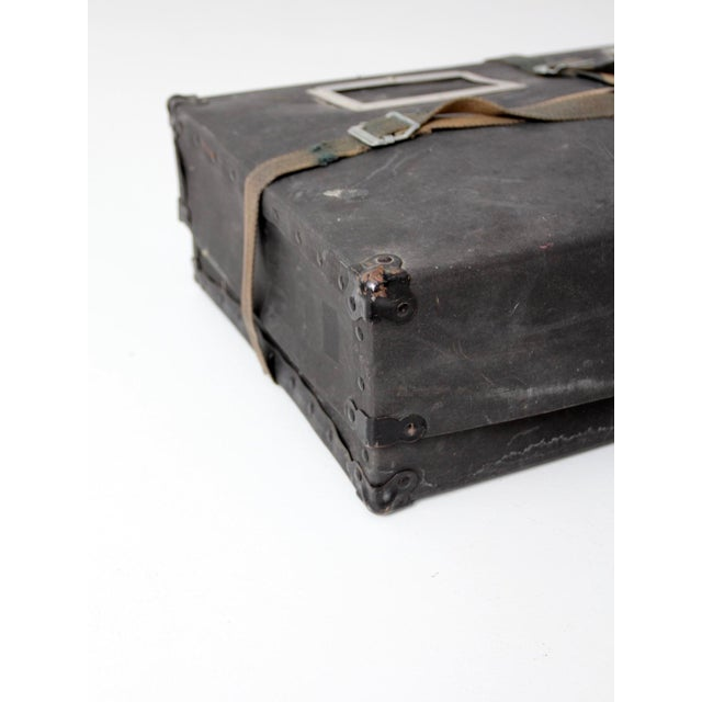 Vintage Laundry Mailing Box For Sale - Image 4 of 8