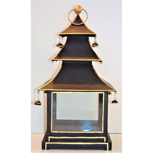 Vintage Chinoiserie Black and Gold Pagoda Hurricane Lantern For Sale In Houston - Image 6 of 6