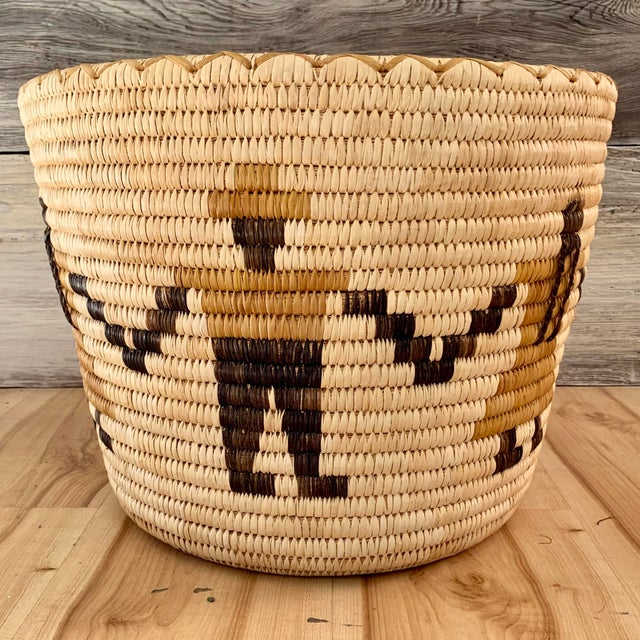 Large authentic mid-20th century Tohono O'odham tapered basket from the Sonoran Desert region of North America. In...