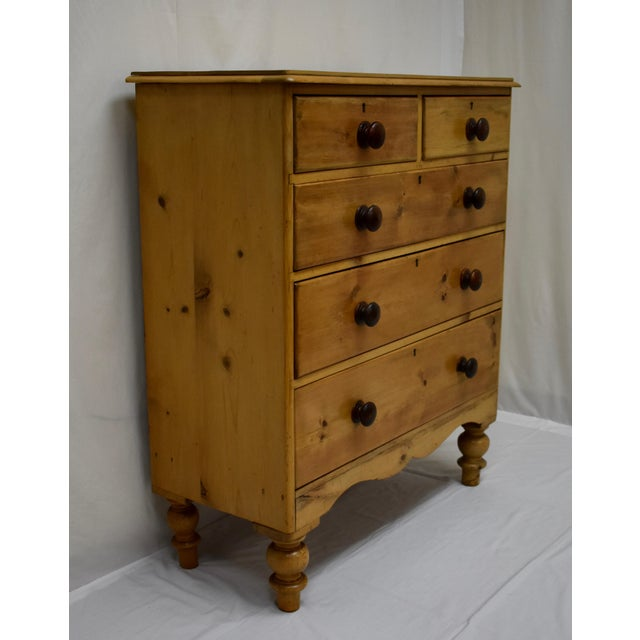 English Victorian Pine Chest of Drawers For Sale - Image 4 of 12