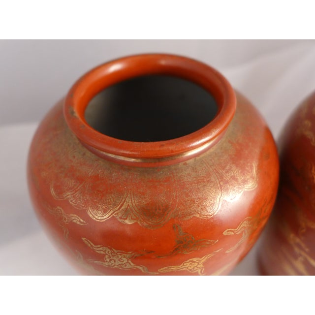 Asian Japanese Kutani Eiraku Red Gold Kinrande Porcelain Vases - aPair For Sale - Image 3 of 9