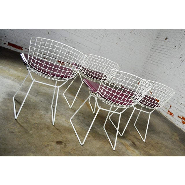 Knoll Vintage Mid-Century Modern Bertoia White Wire Side Chairs For Sale - Image 4 of 11