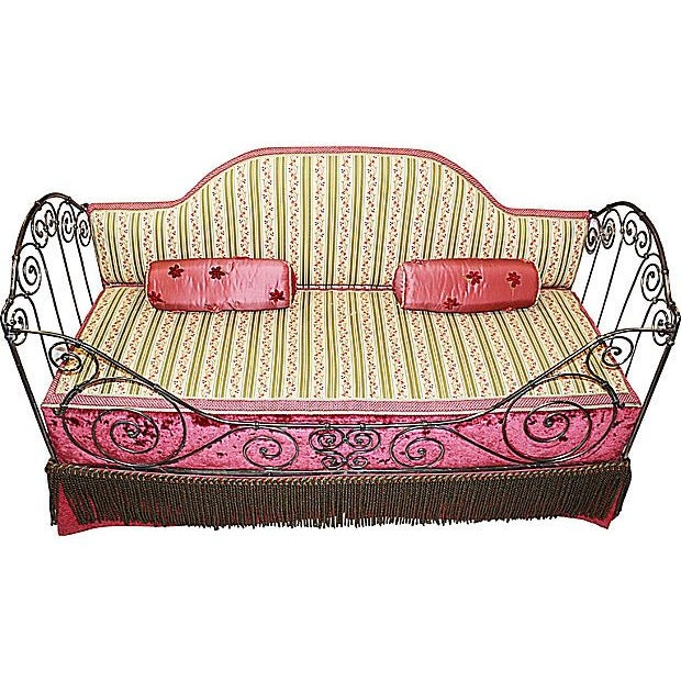 1880s French Antique Iron Daybed For Sale - Image 4 of 5