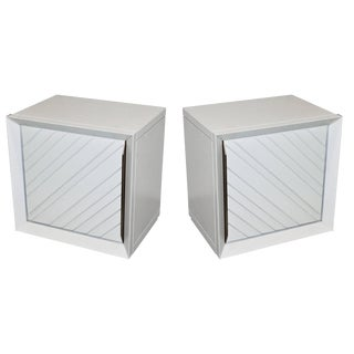 Frigerio 1970s Italian White Lacquered Wood Side Tables / Nightstands - a Pair For Sale