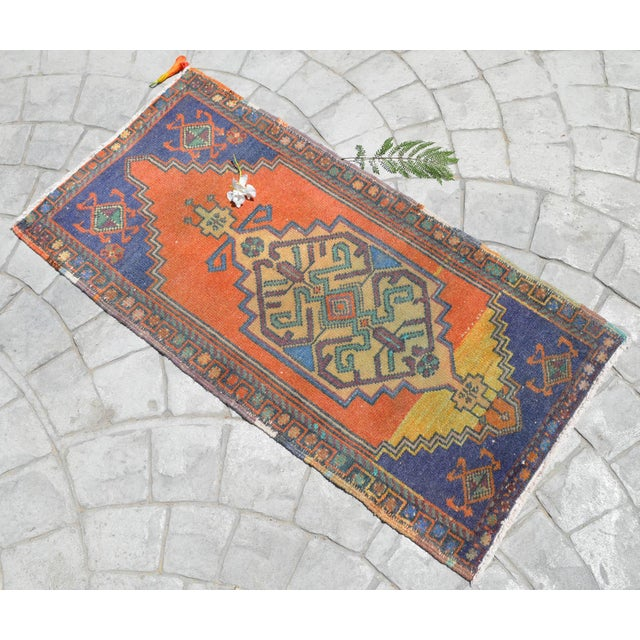 """Contemporary Front of Bath Kitchen Sink Rug Hand Made Bath Mat Faded Mini Rug 1'9"""" X 3'5"""" For Sale - Image 3 of 6"""