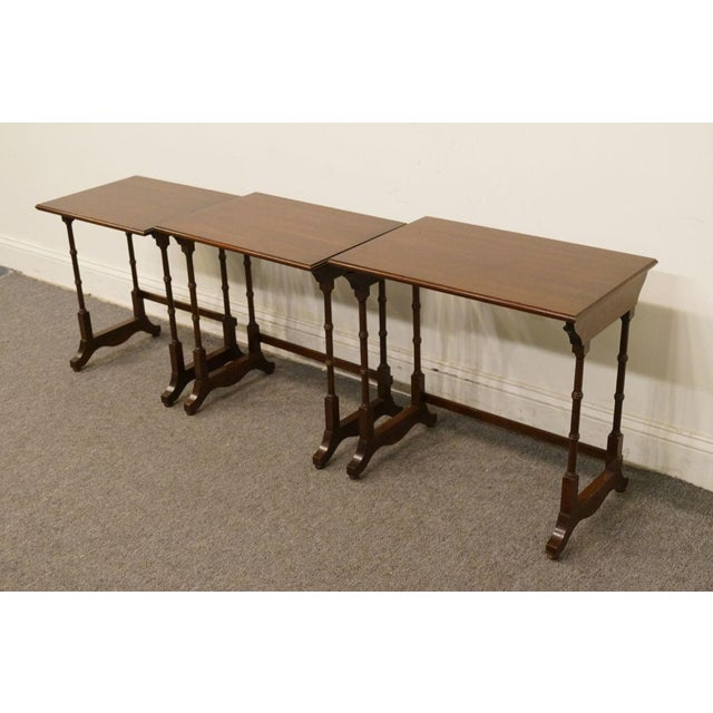 Late 20th Century Ethan Allen Georgian Court Nesting End / Accent Tables - Set of 3 For Sale - Image 5 of 13