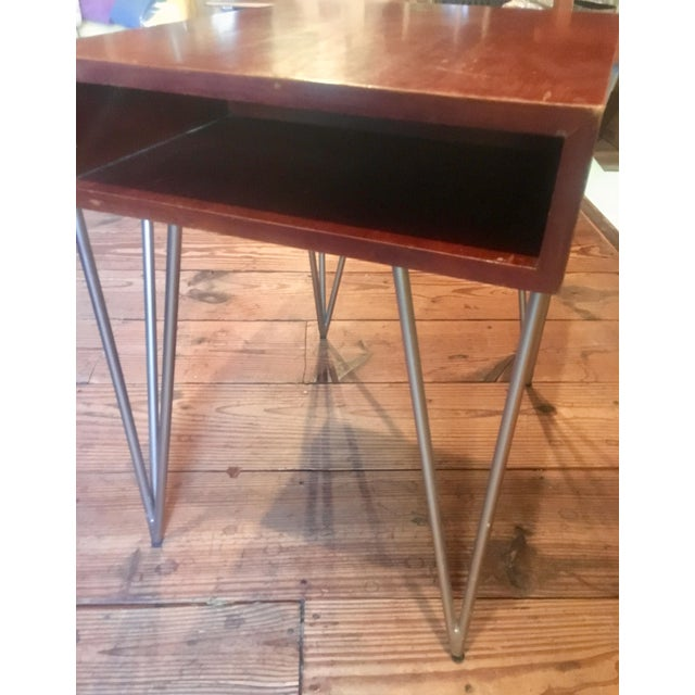 Henry Glass Mid Century Modern Todd Oldham End Table With Hairpin Legs For Sale