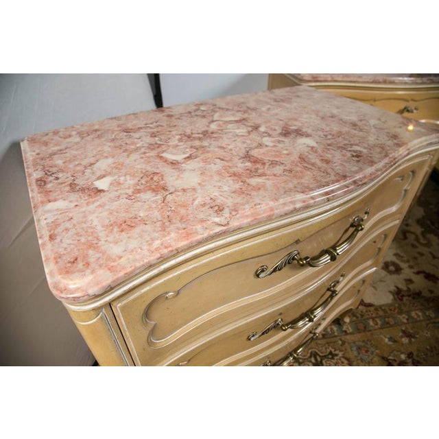 French Grosfeld House Louis XV Marble-Top Commodes - Pair For Sale - Image 3 of 8