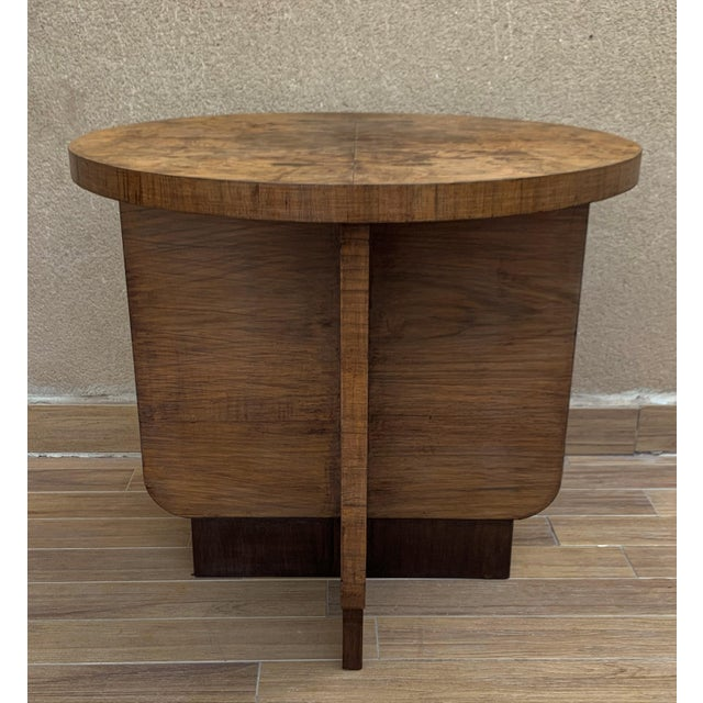 Art Deco Italian Round Art Deco Burl Walnut Coffee Side Table With Ebonized Legs For Sale - Image 3 of 9