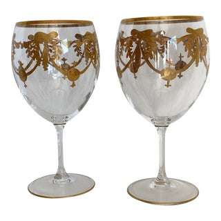 Gold Trim Wine Glasses With Wreaths and Swags - a Pair For Sale