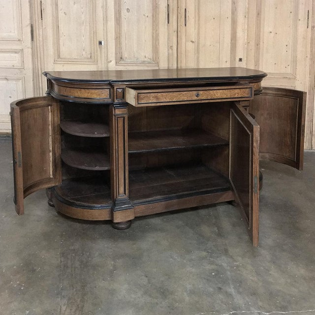 19th Century French Napoleon III Period Walnut Buffet For Sale In Dallas - Image 6 of 13