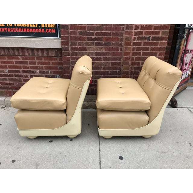 Mid-Century Modern Vintage Mid Century Modern Mario Bellini for B&b Italia Amanta Chairs Newly Upholstered - Set of 2 For Sale - Image 3 of 7
