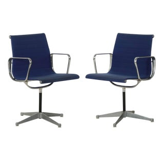 Charles Eames for Herman Miller Blue Swivel Chairs - a Pair For Sale