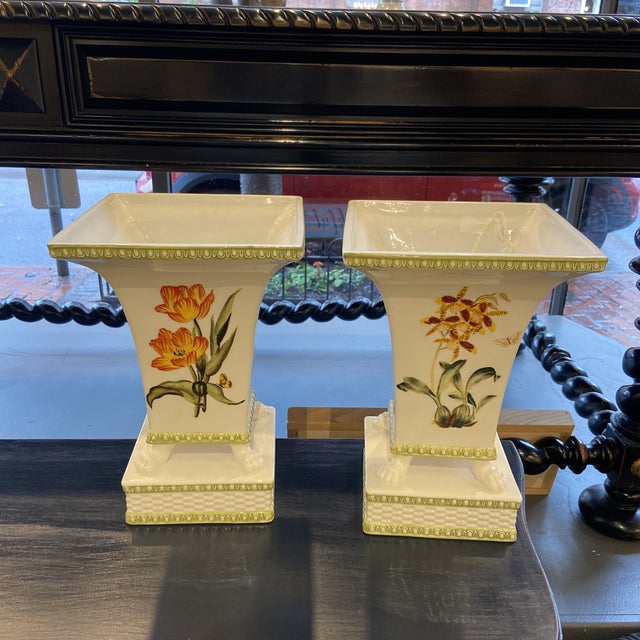 Traditional 20th Century Raymond Waites Hampton Garden Cachepot- a Pair For Sale - Image 3 of 7