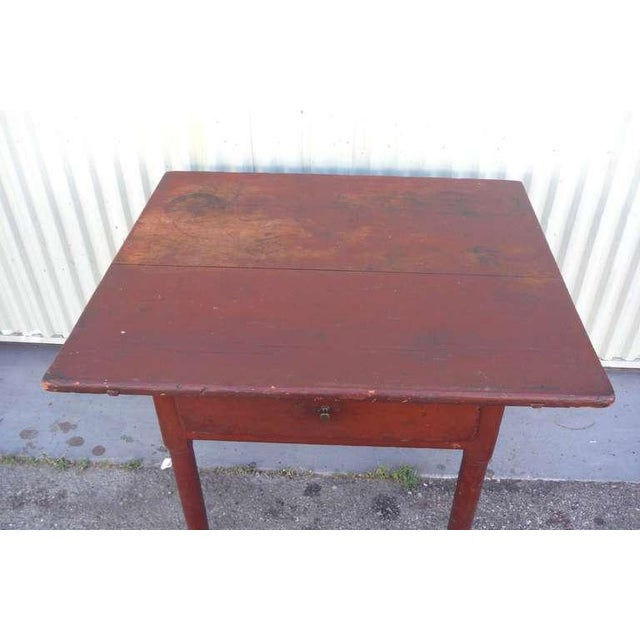18thc Original Red Lift Top Tavern Table With Original Drawer - Image 4 of 10