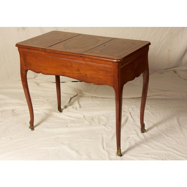 French 18th C. Louis XV Fruitwood Inlaid Poudreuse Dressing Table For Sale - Image 3 of 9