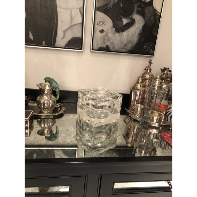Transparent 1960s Mid-Century Modern Lucite Ice Bucket For Sale - Image 8 of 9