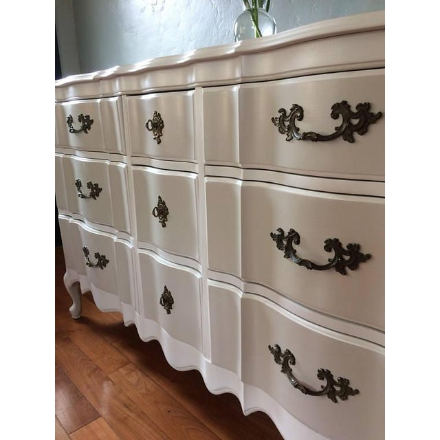 Solid Wood Two-Tone French Provincial Dresser - Image 4 of 9