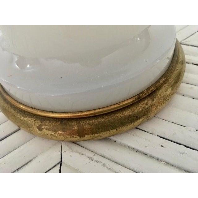 Mid-Century Modern 1950s Warren Kessler Nyc White Milkglass Opaline Table Lamp For Sale - Image 3 of 12