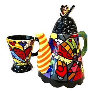 Romero Britto Modern Tea Pot and Cup - Set of 2 For Sale