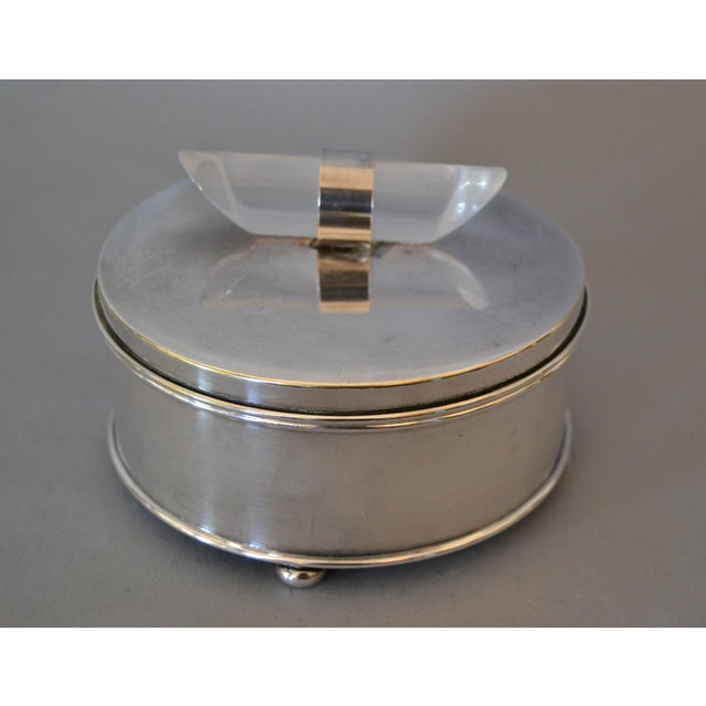 Art Deco Mid-Century Modern Silver Plate & Lucite Perfume Bottle & Powder Box 2 Pc. Vanity Set For Sale - Image 3 of 13