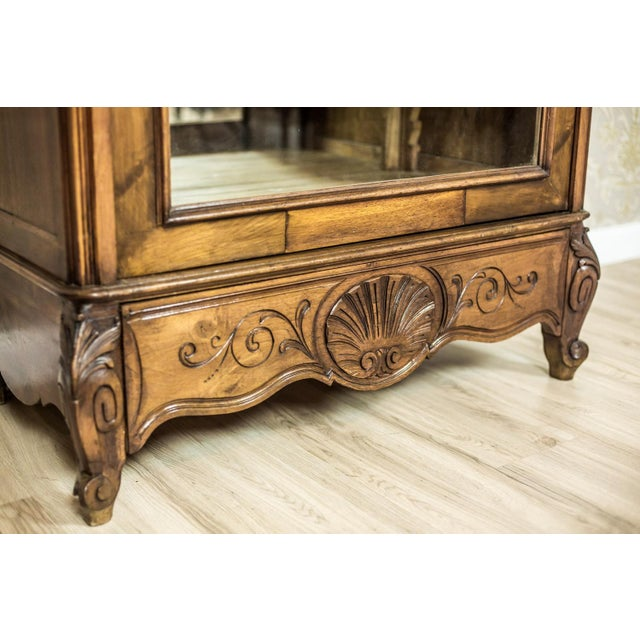 Early 20th Century Early 20th-Century Walnut Neo-Rococo Showcase For Sale - Image 5 of 11