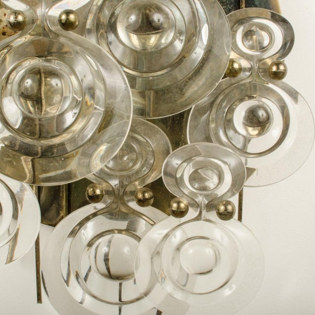 1965 Mid-Century Italian Glass And Brass Wall Sconce For Sale - Image 9 of 13