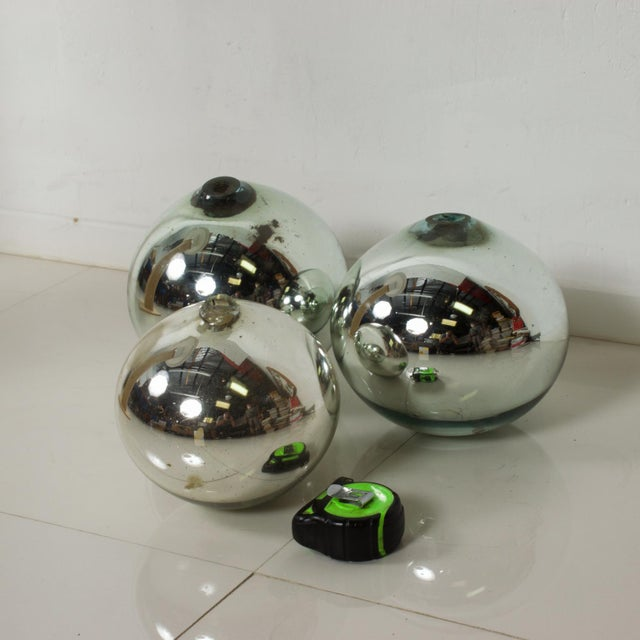 Glass Vintage 1950s Mexico Mercury Glass Globes Gazing Ball Spheres- Set of 3 For Sale - Image 7 of 8