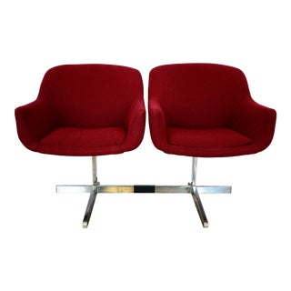 Eero Saarinen Burgundy Tweed Tandem Side Chairs - a Pair For Sale