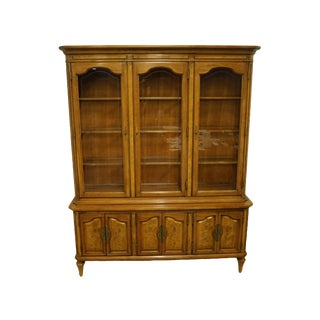 Thomasville Furniture La Scala Collection Italian Provincial Lighted China Cabinet For Sale
