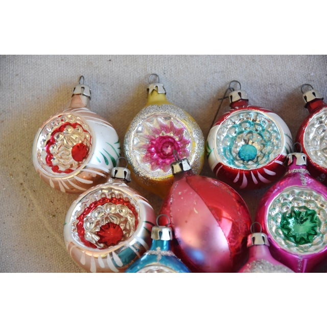 Mid 20th Century Midcentury Vintage Colorful Christmas Ornaments W/Box - Set of 12 For Sale - Image 5 of 9
