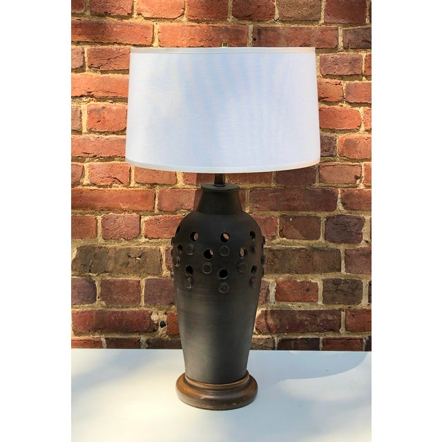 Mid 20th Century C. 1950 Italian Slate Gray Aldo Londi for Raymor Ceramic Lamp For Sale - Image 5 of 5